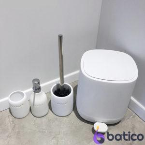 סט אביזרי אמבטיה מונחים CITY לבן 4 חלקים