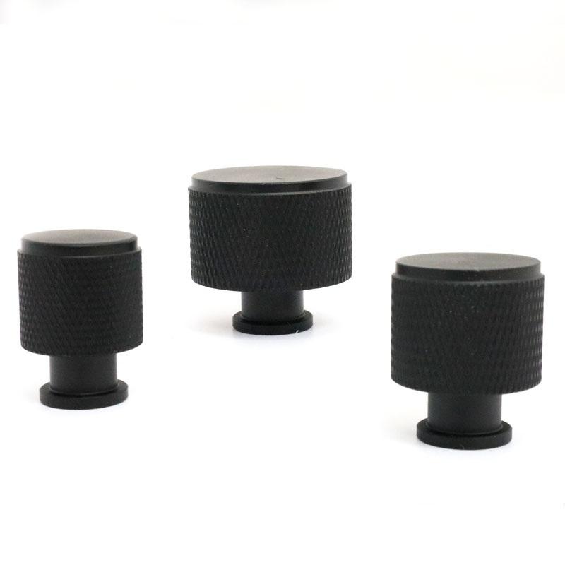 ידיות כפתור לארונות ומגירות K9093B שחור ב-3 גדלים