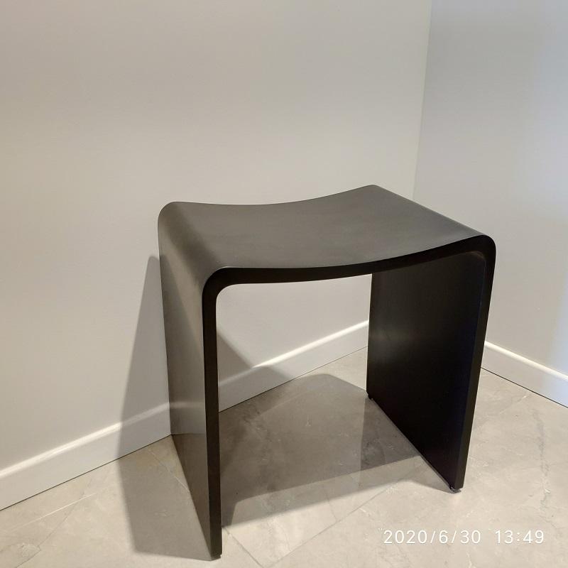 """כסא למקלחון מעוצב אבן קוריאן שחור 40/30 ס""""מ"""