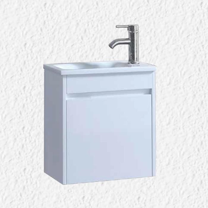 """ארון אמבטיה 43/26 ס""""מ לבן כולל ברז ומראה"""