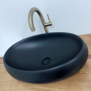 """כיור אמבטיה מונח שחור מט 60/40 ס""""מ"""